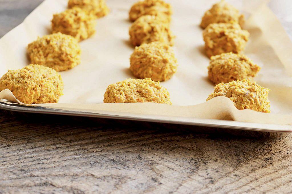 pumpkin-carrot-biscuits-2